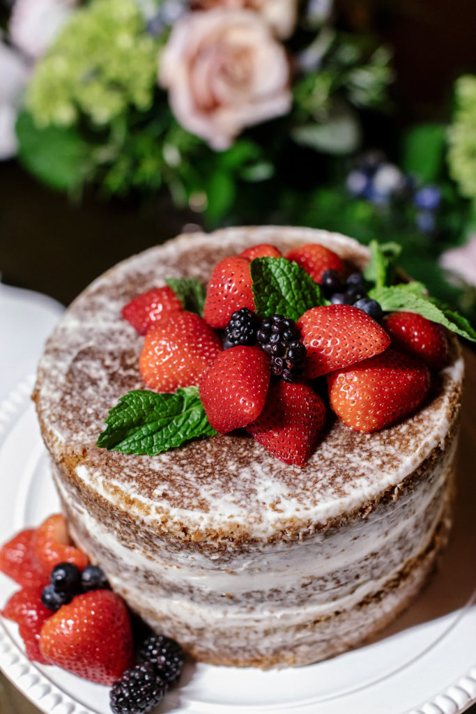 Naked Cakes with Berries